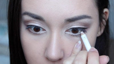 How to create a natural eye makeup. No Makeup Makeup | Brighter Eyes - Step 20