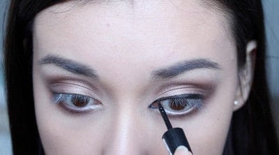 How to creat an Arabic eye makeup look. Arabian Smokey Blue Eye Makeup  - Step 17