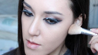 How to creat an Arabic eye makeup look. Arabian Smokey Blue Eye Makeup  - Step 29