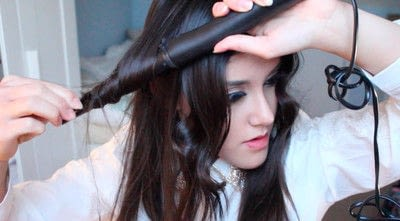 How to style a curly hairstyle / wavy hairstyle. Persian Princess   Wavy Hair - Step 9