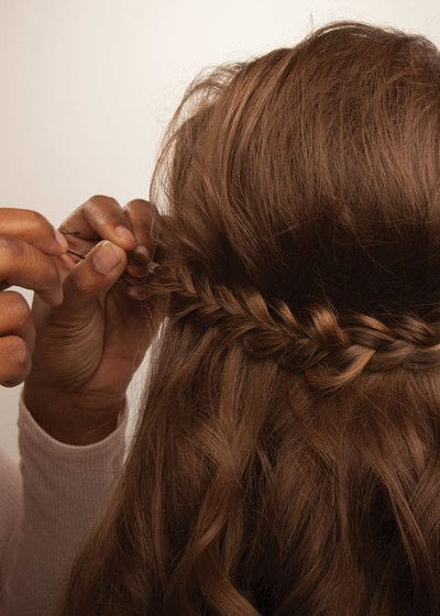 How to style a crown braid. Half Crown Braid - Step 18