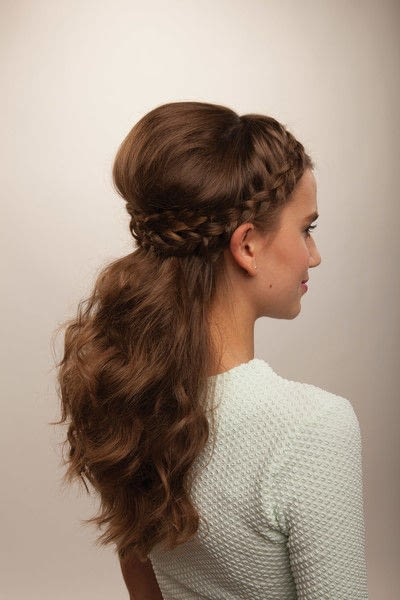 How to style a crown braid. Half Crown Braid - Step 21