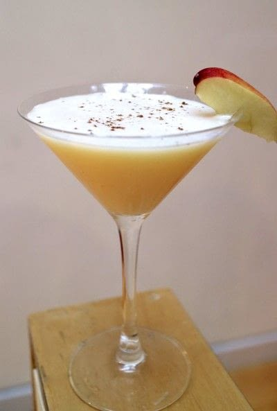How to mix a flip cocktail. Spiced Apple Flip - Step 6