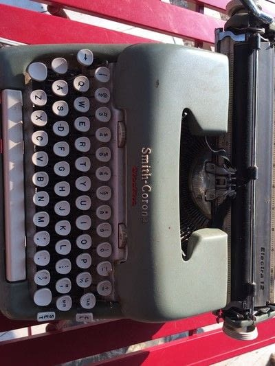 How to make a techniques. Tips For Purchasing A Vintage Typewriter - Step 1