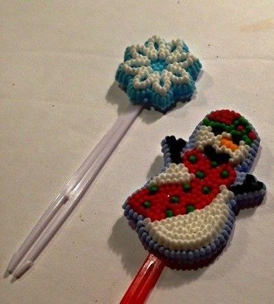 How to make a cake topper. Christmas Cupcake Topper - Step 3