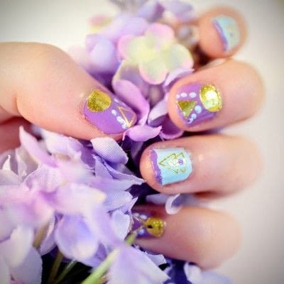 How to paint a geometric nail manicure. Geo Aztec Nails - Step 9