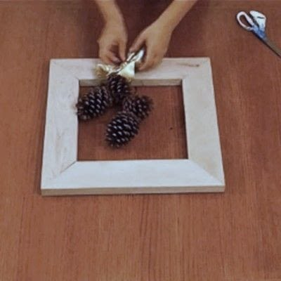 How to make a recycled photo frame. 1 Frame, 3 Ways - Step 2