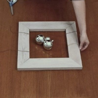 How to make a recycled photo frame. 1 Frame, 3 Ways - Step 5