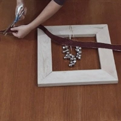 How to make a recycled photo frame. 1 Frame, 3 Ways - Step 11