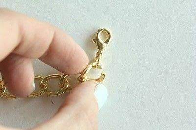 How to make a braided yarn bracelet. Yarn Wrapped Bracelet - Step 6