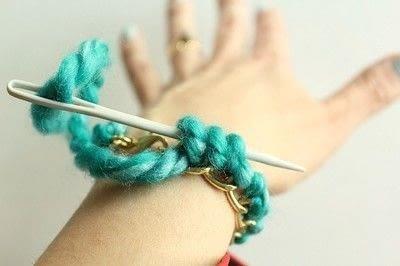 How to make a braided yarn bracelet. Yarn Wrapped Bracelet - Step 11