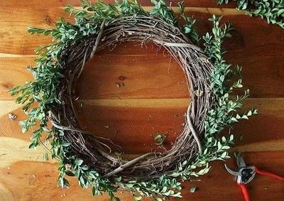 How to make a branch & twig wreath. How To Make A Boxwood Wreath - Step 5