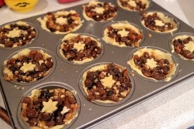 How to bake a mince pie. Fruit & Nut Mince Pies - Step 6