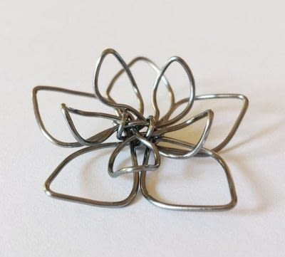 How to make a wire pendant. Wire Flower Necklace  - Step 13