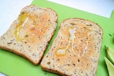 How to cook an avocado toast sandwich. Avocado Toast - Step 2