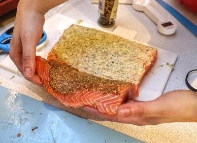 How to bake a fish pie. Salmon En Croute - Step 5