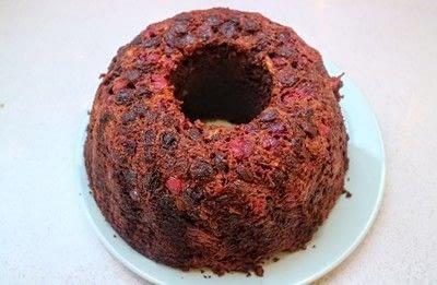 How to bake a chocolate cake. Christmas Wreath Cake - Step 12