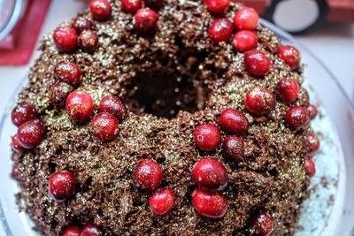 How to bake a chocolate cake. Christmas Wreath Cake - Step 19