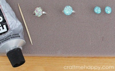 How to make a resin pendant. Freeform Resin Jewellery - Step 7