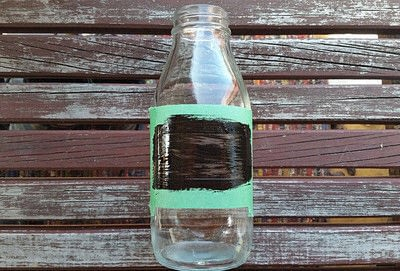How to decorate a bottle / jar. Painted Chalk Labels For Your Glass Jars - Step 4