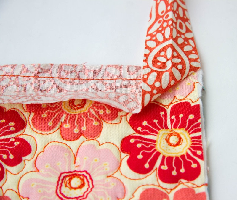 Quilt Binding Tutorial : : Turning A Corner And Making A