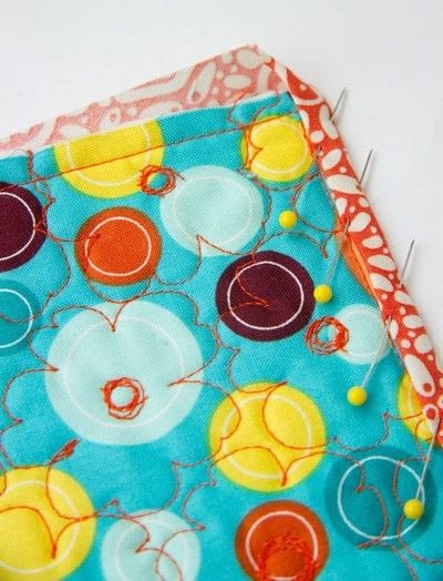 How to sew a binding. Quilt Binding Tutorial : : Turning A Corner And Making A Point!  - Step 10