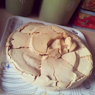 How to bake a meringue. Pavlamington - Step 10