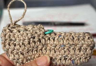 How to make a baby booties. Baby Moccasin - Step 9