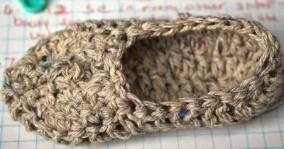 How to make a baby booties. Baby Moccasin - Step 11