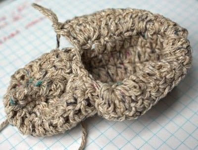 How to make a baby booties. Baby Moccasin - Step 16