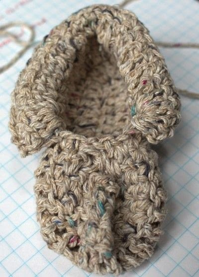 How to make a baby booties. Baby Moccasin - Step 17