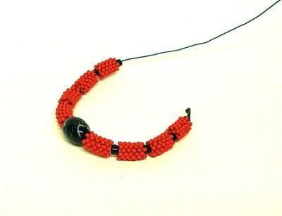 How to bead a woven bead bracelet. Bead Bangle - Step 3