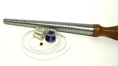 How to make a wire ring. Swirly Ring - Step 1