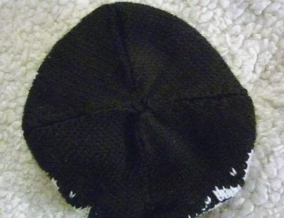 How to make a beanie. Pom Pom Knit Hat With Custom Labels - Step 5