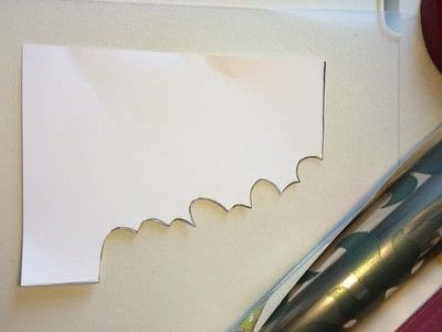 How to make a garland. Wallpaper Leaves Garland - Step 2