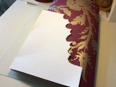 How to make a garland. Wallpaper Leaves Garland - Step 4