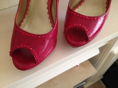 How to paint a pair of painted shoes. Red Ruby Shoes Revamp! - Step 8