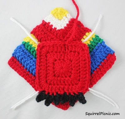 How to make a parrot plushie. Parrot Origami-Inspired Amigurumi - Step 5