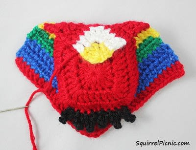 How to make a parrot plushie. Parrot Origami-Inspired Amigurumi - Step 9