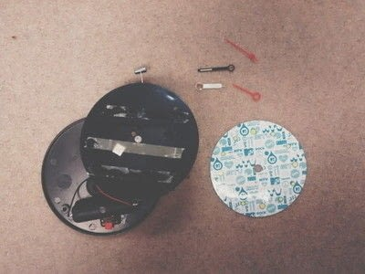 How to make a recycled clock.  Diy Clock Makeover - Step 7