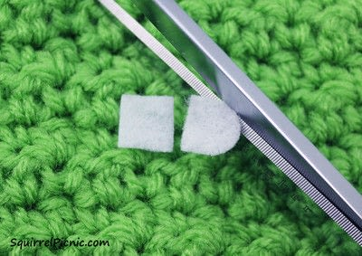 How to stitch a French knot. How To Add Faces To Your Amigurumi Part 5: Simple Eyes With Felt And French Knots - Step 2