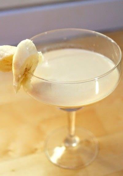 How to mix a martini. Banoffee Pietini - Step 4