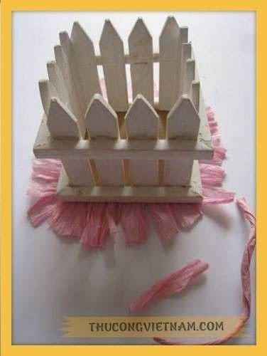How to make a gift basket. How To Make Flower Basket From Wooden Fence - Step 2