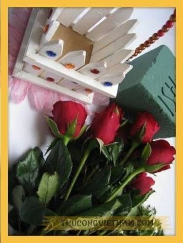 How to make a gift basket. How To Make Flower Basket From Wooden Fence - Step 6