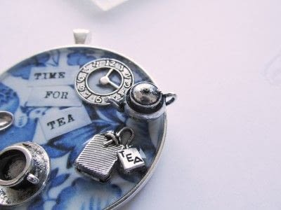 How to make a pendant necklace. Time For Tea - Step 9