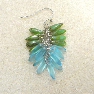 How to make a dangle earring. Dangling Cluster Earrings - Step 7