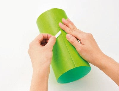 How to make gift wrap. Pillar Wrapping - Step 2