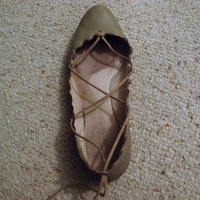 How to revamp a pair of lace-up shoes. Lace Up Flats - Step 5