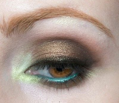 How to create a two toned eye makeup look. Mother Earth Look - Step 12