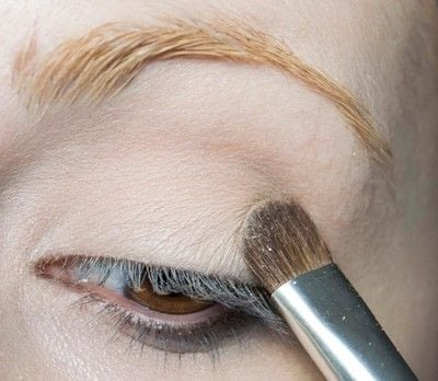 How to create a pin-up makeup look. Pin Up Look With Kat Von D.  - Step 2